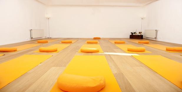 sampoorna-yoga-03-FRONT-SITE