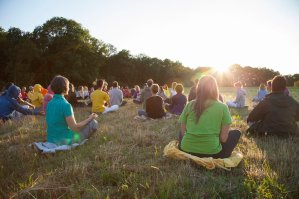 About-Us-Leading-a-Yogic-Life-Ashram-de-Yoga-Sivananda-Yoga-France